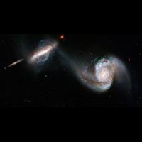 アープの特異銀河の華麗なダンス...